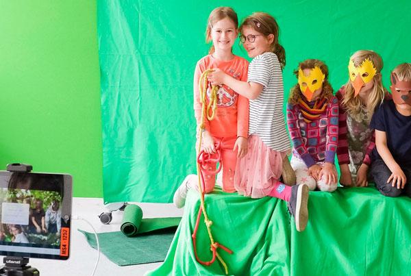 Ein eigener Film aus Reißzwecken und grünem Stoff – mit Do Ink
